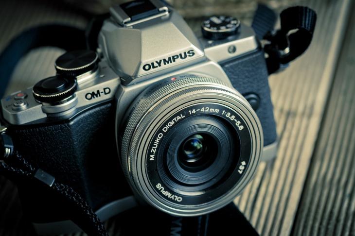 camera-1077853_1920